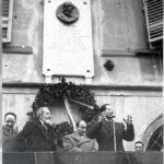 Emilio Colombo in pubblico comizio davanti alla casa di Giuseppe Toniolo, Pisa