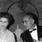Emilio Colombo, ministro degli Esteri, e la regina Elisabetta II